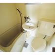トイレ、浴槽、洗面台の3点ユニットバス