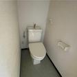 ウォームレットの付いたトイレ。ウォシュレットへの交換も可能です