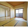 リビング横の和室は、くつろげるスペースです