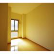 玄関左の洋室は4.7帖。小さなクローゼットが付いています。