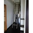 屋根裏収納へのはしご