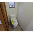 ウォシュレット・小窓付のトイレ