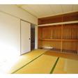 和室には収納スペースあり