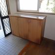 玄関の外側には階段下を利用した物入れがあります。ベビーカー、アウトドア用品収納に便利
