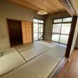 1階のLDK横の6畳和室、納戸あり。