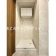 洗濯機置き場上部に吊り戸棚設置