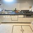 食洗器・浄水器付き、作業スペースの広いシステムキッチンです。